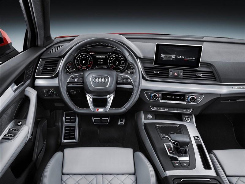 Audi Q5 2017 водительское место