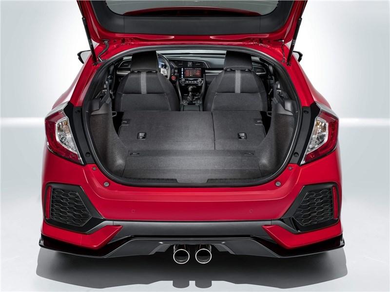 Honda Civic 2017 багажное отделение