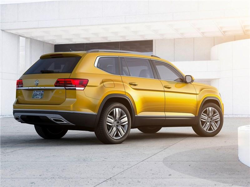 Volkswagen Atlas 2018 вид сбоку сзади