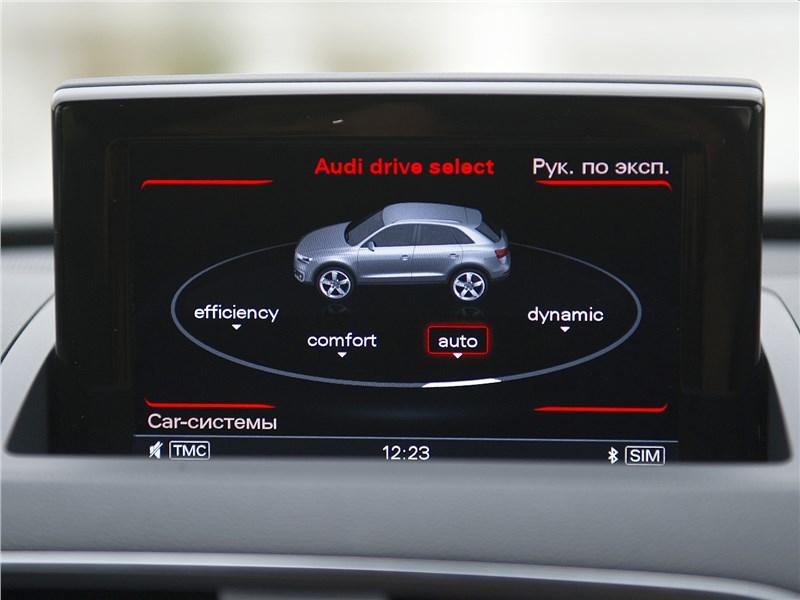 Audi Q3 2015 дисплей