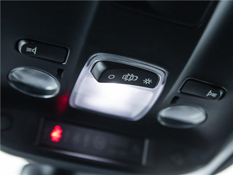 Peugeot 308 2013 потолочный светильник