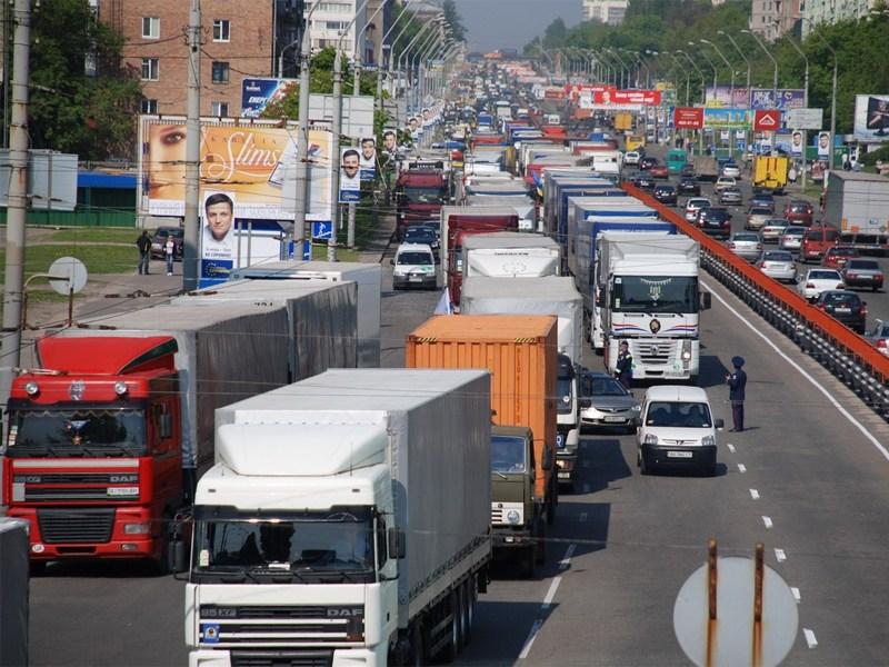 Дума продумала наказание для грузовиков на МКАД и ТТК