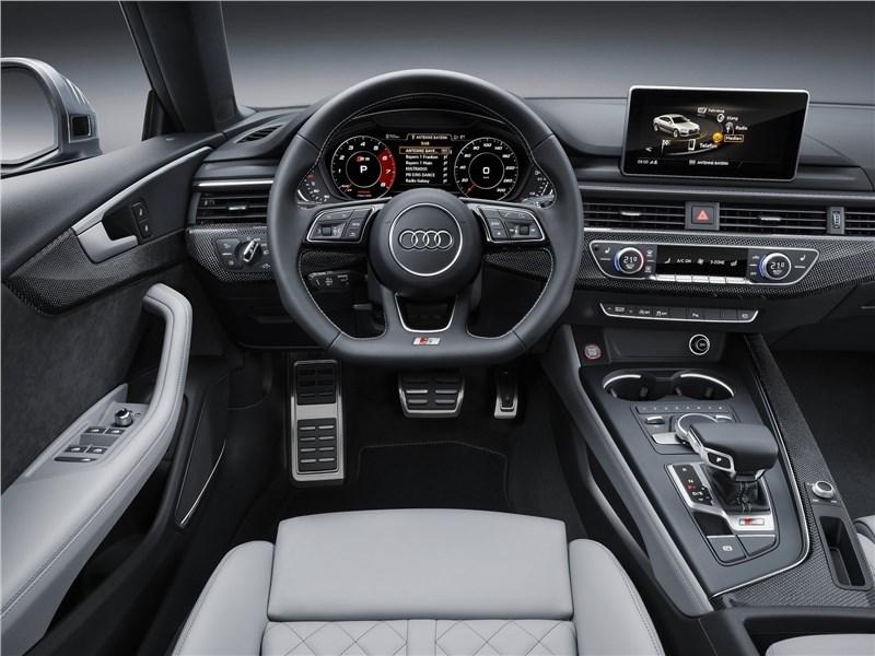 Audi S5 Sportback 2017 водительское место