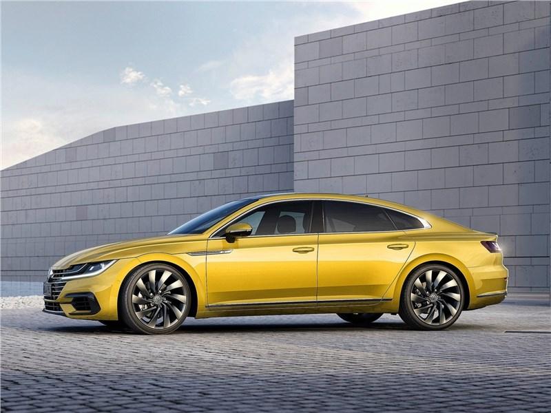 Volkswagen Arteon 2018 вид сбоку