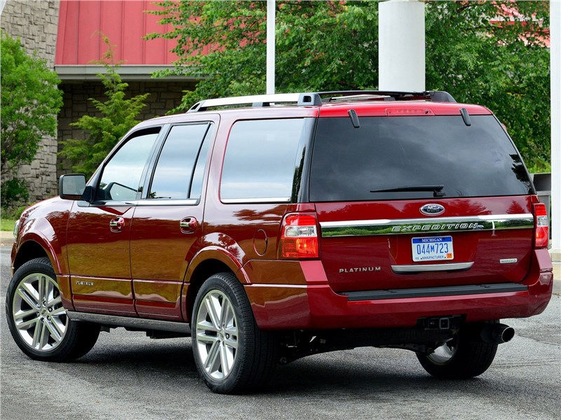 Ford Expedition 2015 вид сзади