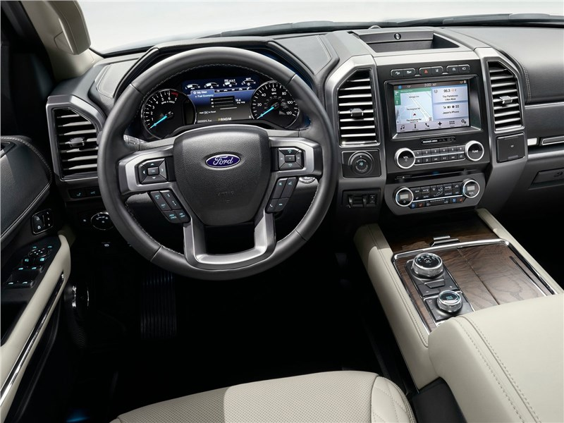 Ford Expedition 2018 водительское место