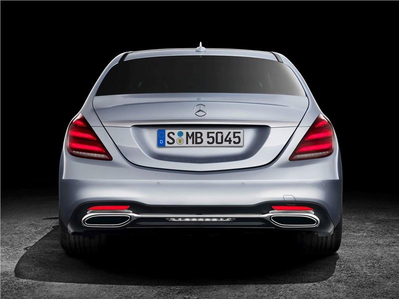 Mercedes-Benz S-Class 2018 вид сзади