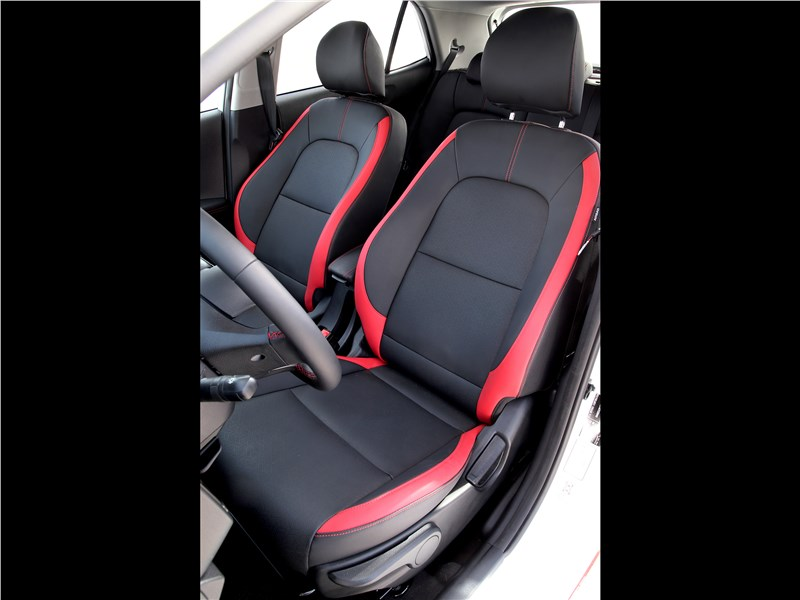 Kia Picanto GT Line 2017 передние кресла