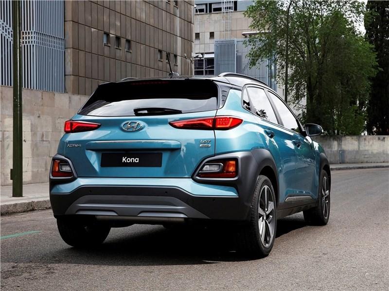 Hyundai Kona 2018 вид сзади
