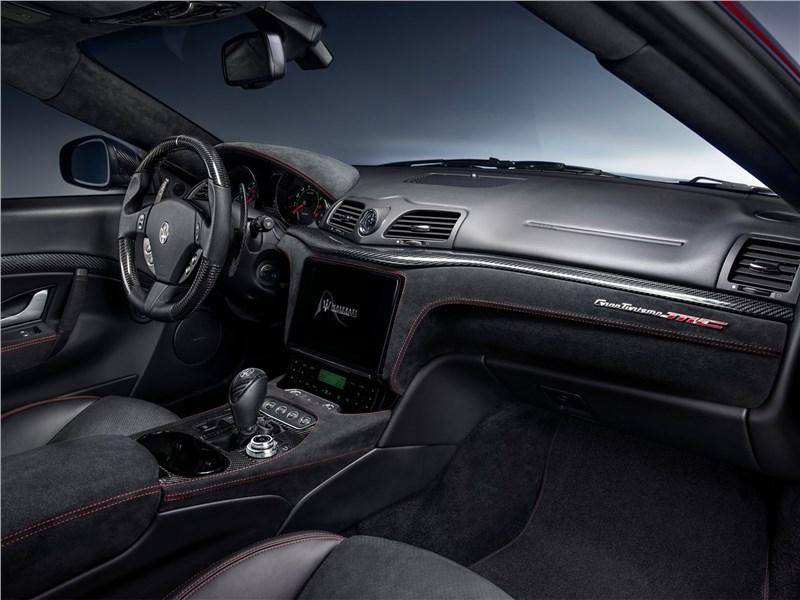 Maserati GranTurismo 2018 салон