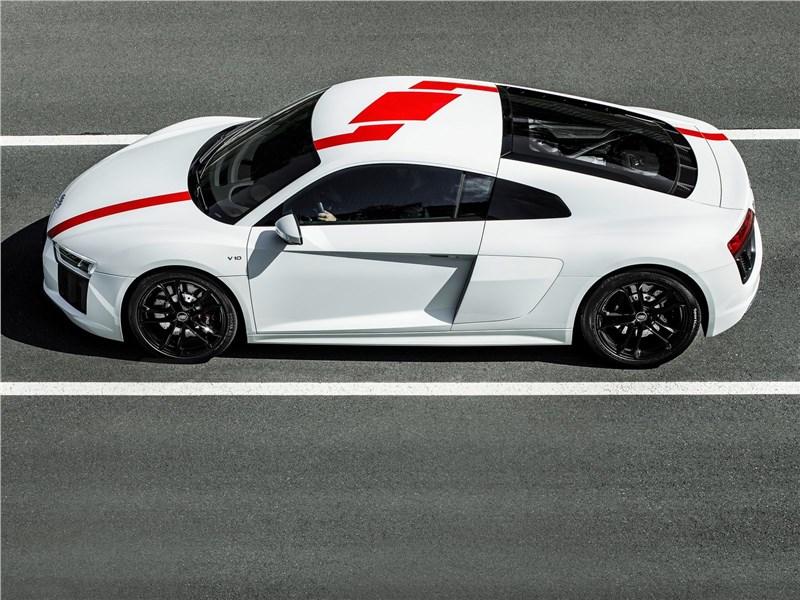 Audi R8 RWS 2018 вид сбоку сверху