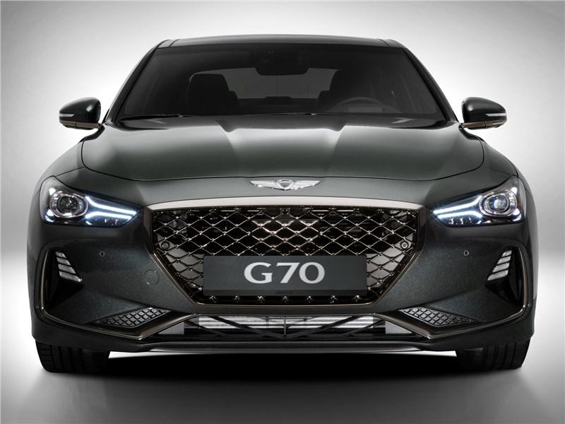 Genesis G70 2018 вид спереди