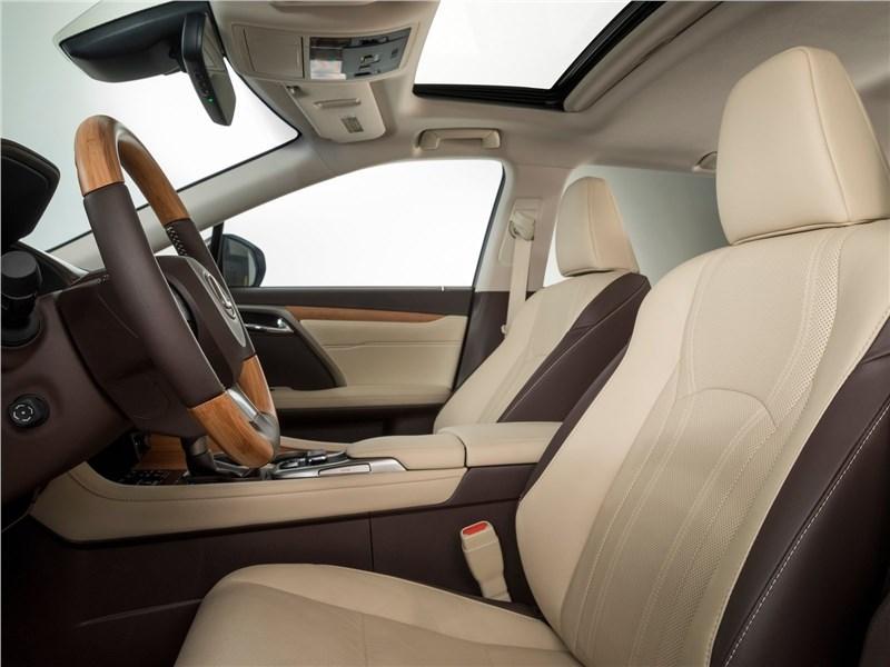 Lexus RX L 2018 передние кресла