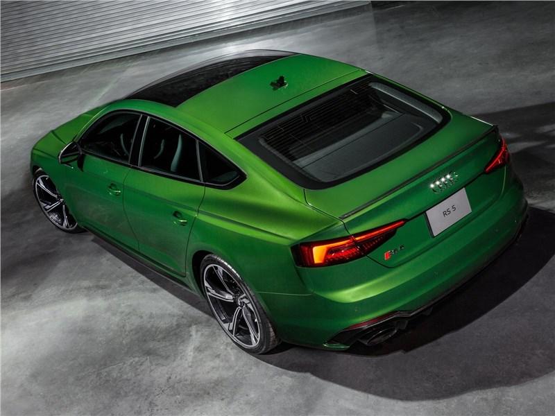 Audi RS5 Sportback 2019 вид сзади сверху