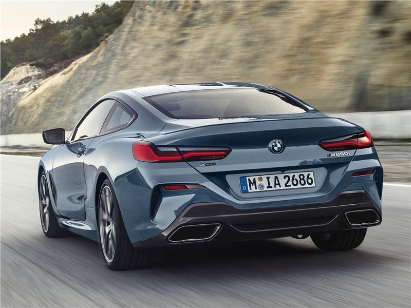 BMW 8-Series Coupe 2019 вид сзади