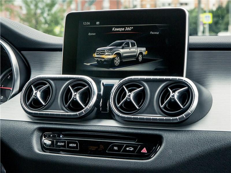 Mercedes-Benz X-Class 2018 монтор