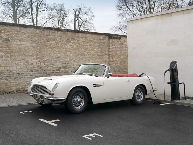 Aston Martin спасет исторические модели электрификацией Фото Авто Коломна