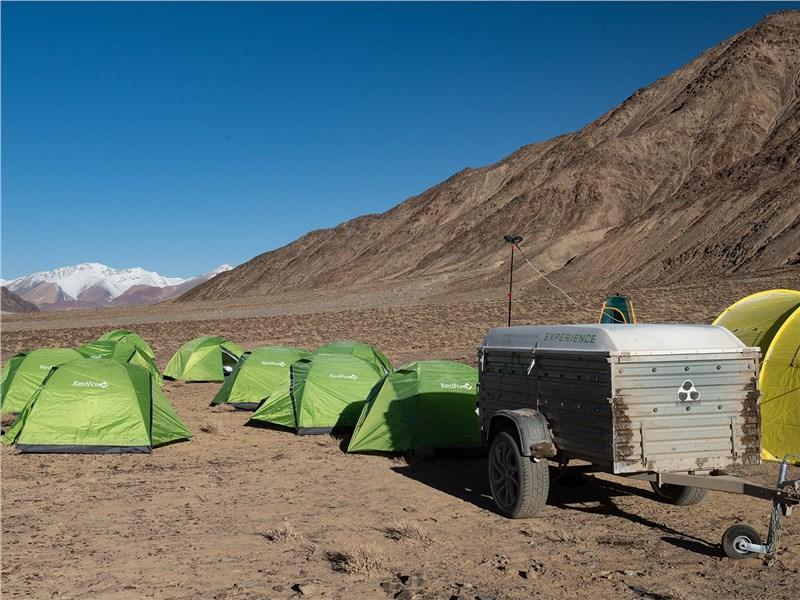 Ночевка в палатках на высоте 3800 м над уровнем моря – серьезное испытание для тела и духа