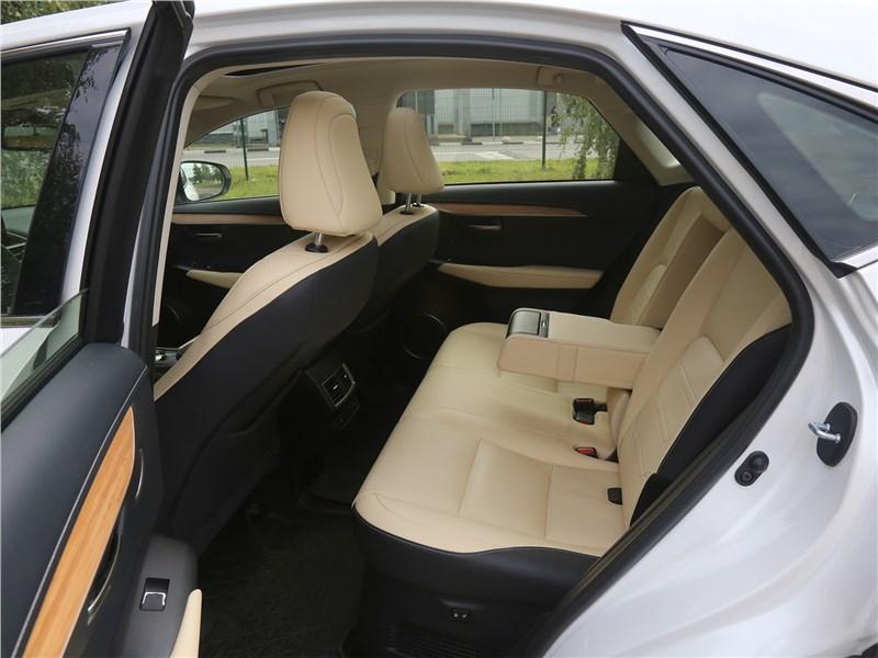 Lexus NX 2018 NX 300H задний диван