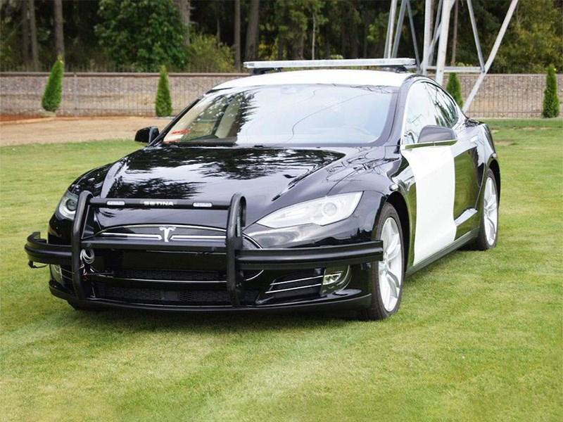 Авто Tesla будут играть Баха вслучае ограбления— Новая система безопасности