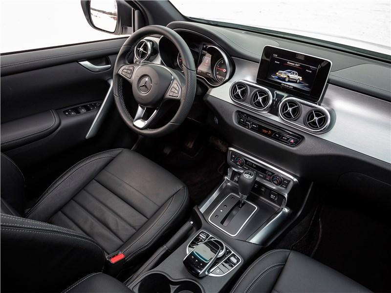Mercedes-Benz X-Class 2018 салон