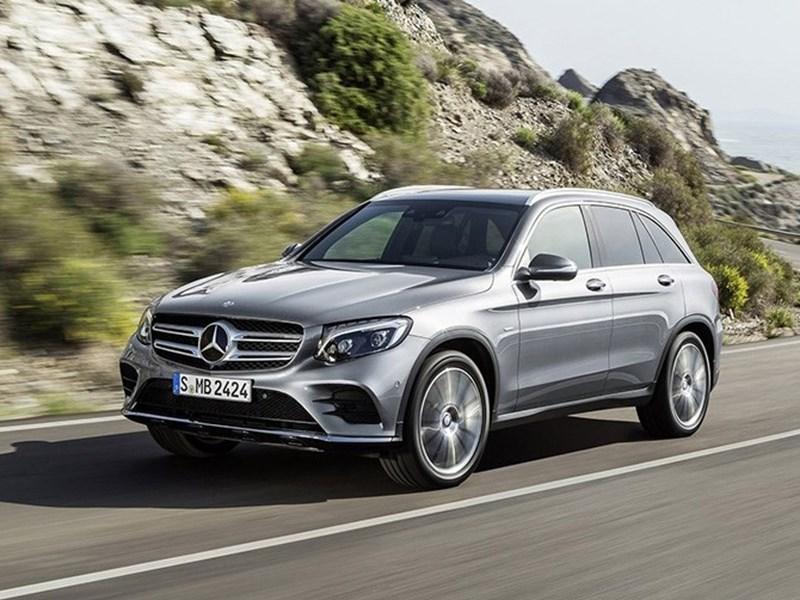 Mercedes отзывает автомобили из-за подушек