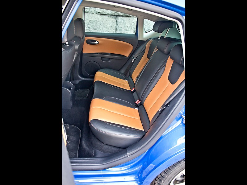 SEAT Leon FR 2012 задний диван