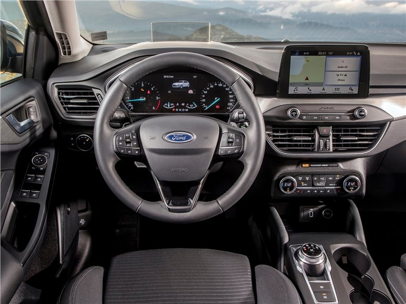 Ford Focus 2019 салон