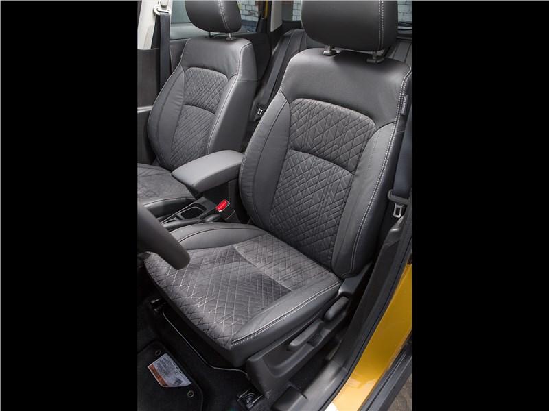 Suzuki Vitara 2019 передние кресла