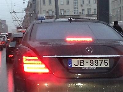 Иностранные автомобили нарушают правила безнаказанно