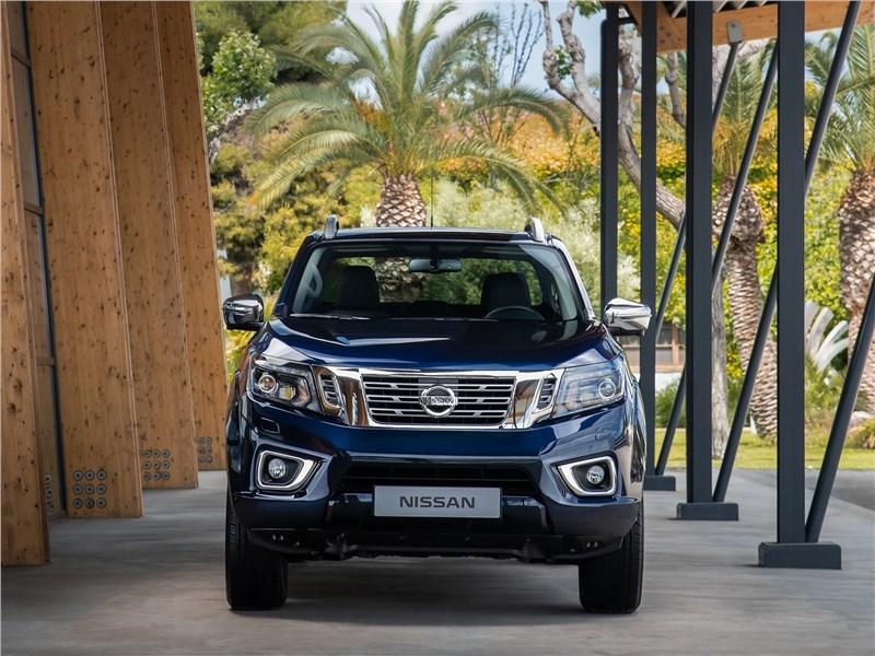 Nissan Navara 2020 вид спереди
