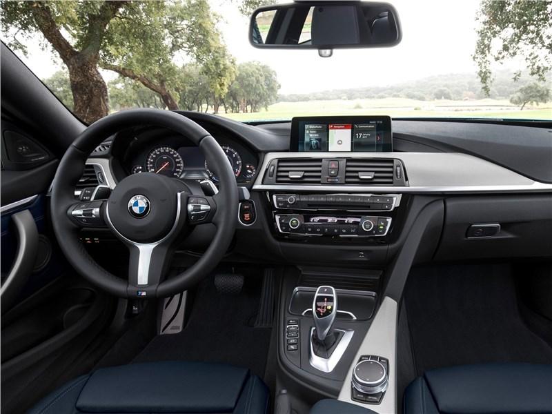 BMW 4-Series Coupe 2018 салон