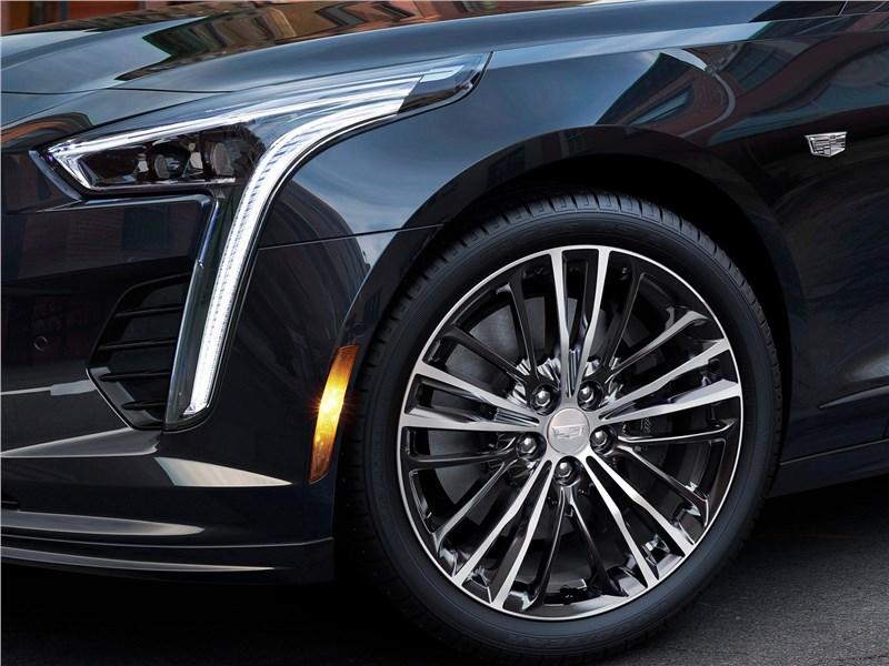 Cadillac CT6 2019 передний свет