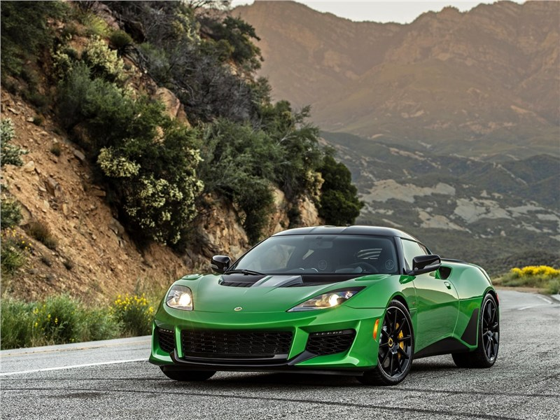 Lotus Evora GT 2020 вид спереди