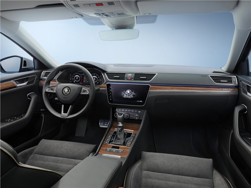 Skoda Superb Scout 2020 салон