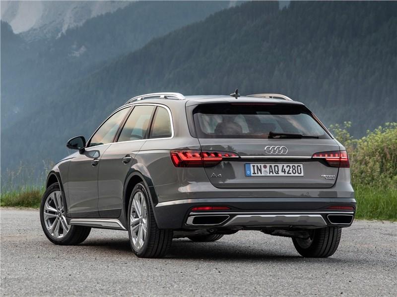 Audi A4 allroad quattro 2020 вид сзади
