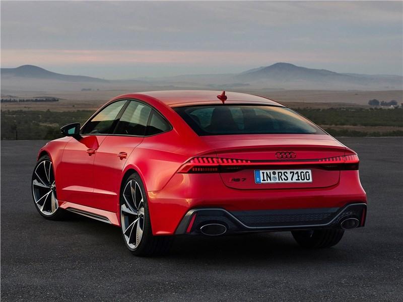 Audi RS7 Sportback 2020 вид сзади