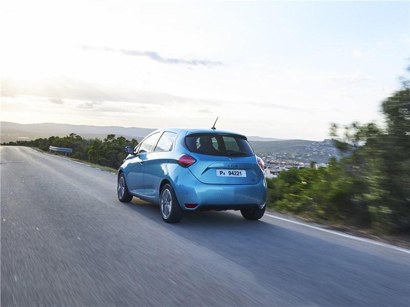 Renault Zoe 2020 вид сзади