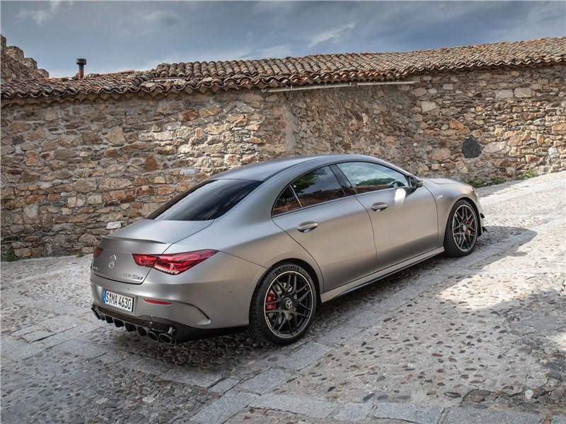 Mercedes-Benz CLA AMG 2020 вид сбоку сзади