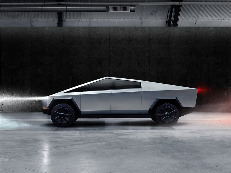 Tesla Cybertruck 2022 вид сбоку