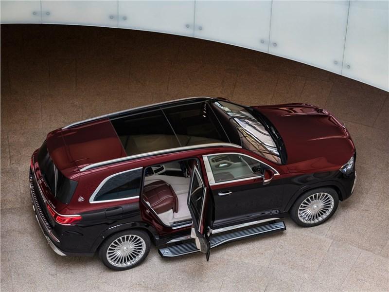 Mercedes-Benz GLS 600 Maybach 2021 вид сверху