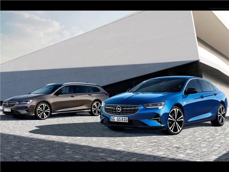 Opel Insignia 2020 вид спереди сбоку