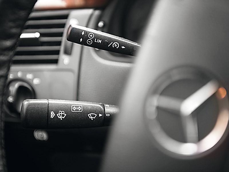 Mercedes-Benz E-Klasse 1996 подрулевой переключатель