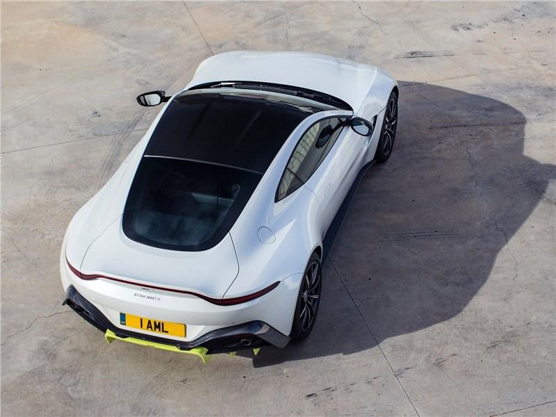 Aston Martin Vantage 2019 вид сверху