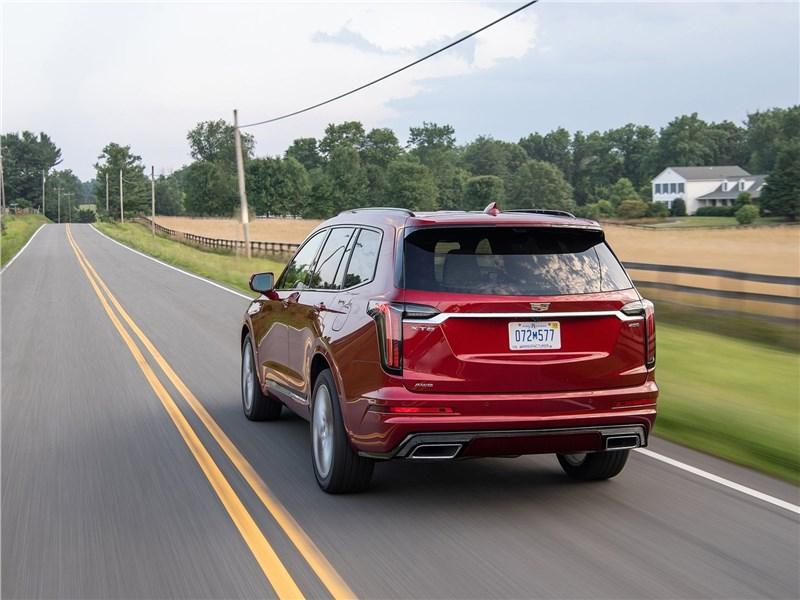 Cadillac XT6 2020 вид сзади