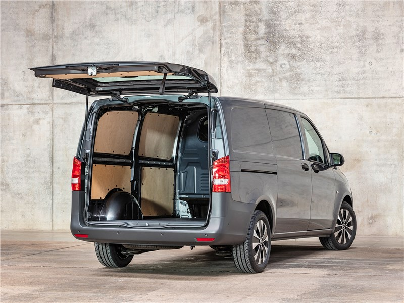 Mercedes-Benz Vito 2020 вид сзади