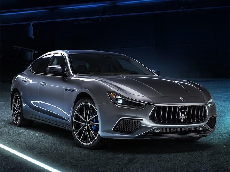 Maserati Ghibli стал 330-сильным гибридом