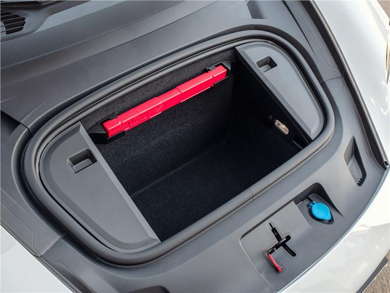 Porsche Taycan 2020 передний багажник
