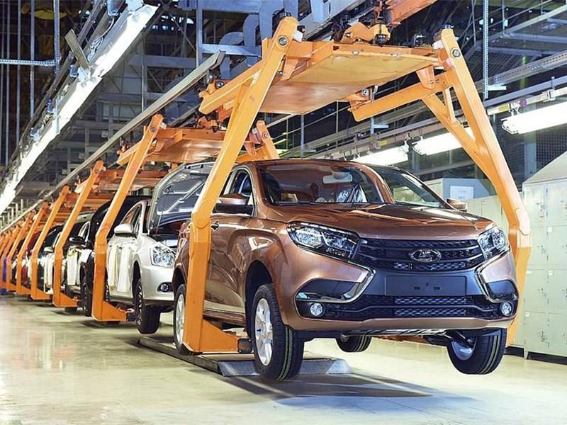 Производство автомобилей в России рухнуло