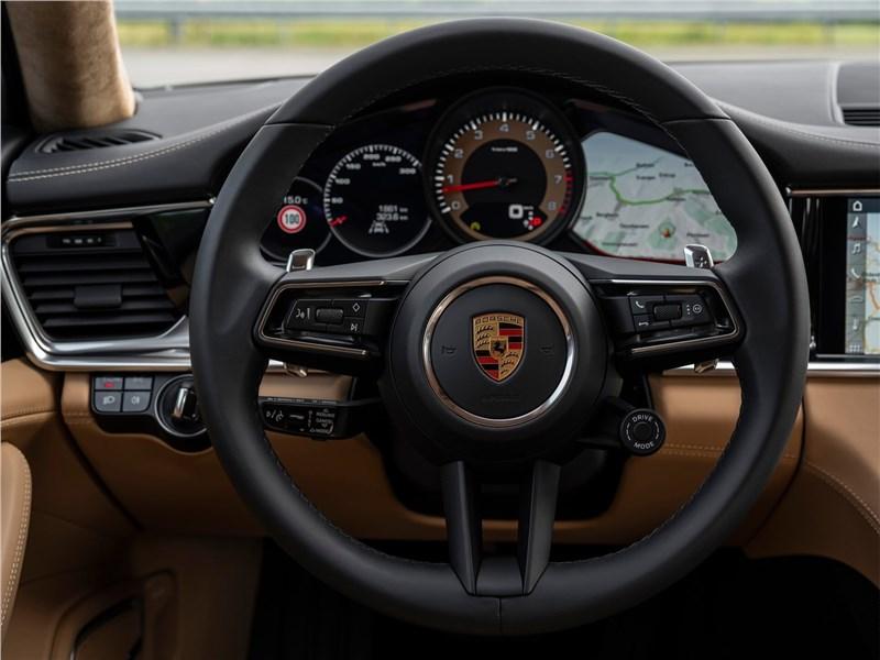Porsche Panamera (2021) руль